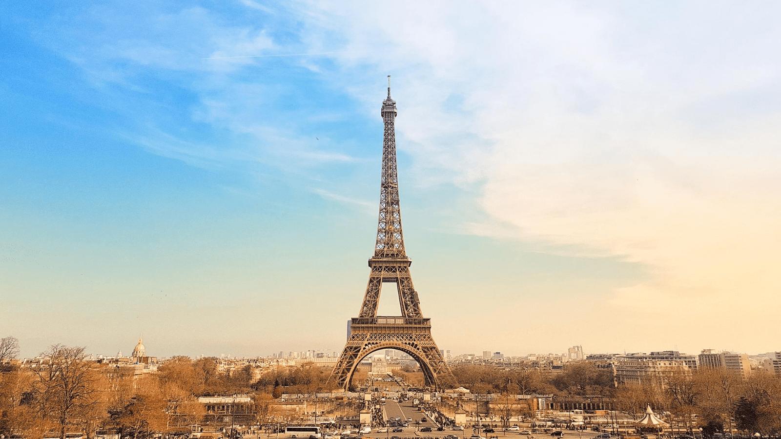 Virtual tour of Paris, France